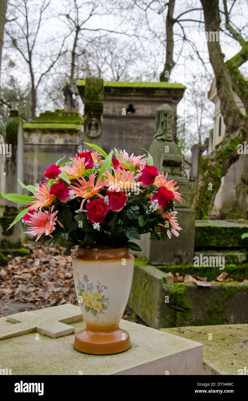 Grave Bouquet Stock Photos Grave Bouquet Stock Images Alamy