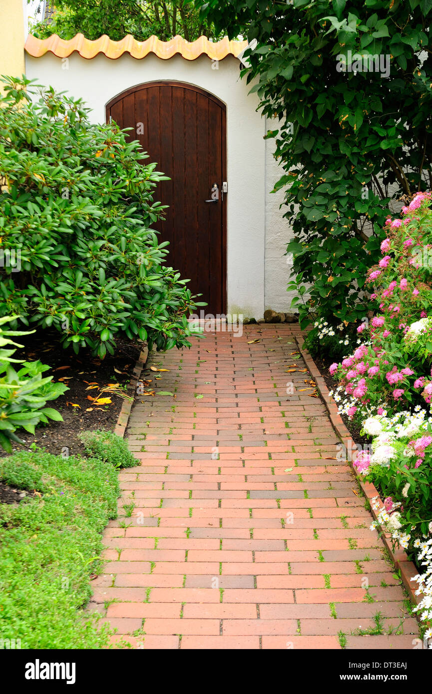 Traditional front yard. - Stock Image