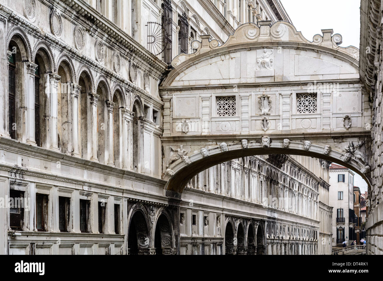 Venice, Italy. The Bridge of Sighs, Ponte dei Sospiri, over the Rio di Palazzo, connecting the Doge´s Palace with the New Prison. - Stock Image