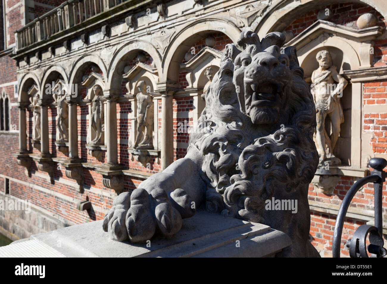 Lion carving at Frederiksborg Palace - Stock Image