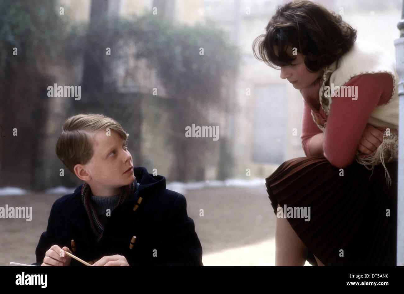 AURELIEN PARENT KOENIG & JULIETTE BINOCHE CHOCOLAT (2000) - Stock Image