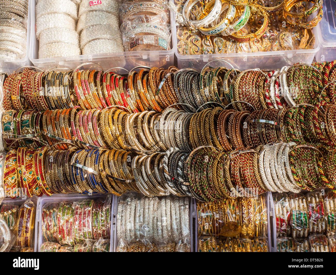 comment acheter classcic plus grand choix de 2019 Indian Bracelets Stock Photos & Indian Bracelets Stock ...