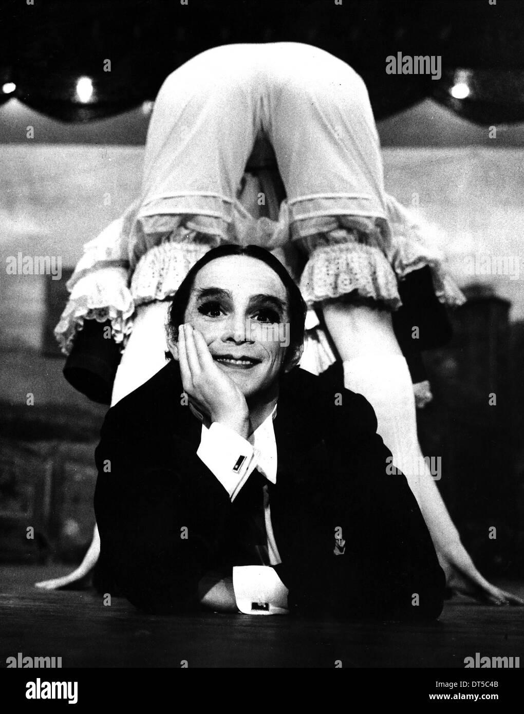 JOEL GREY CABARET (1972) - Stock Image