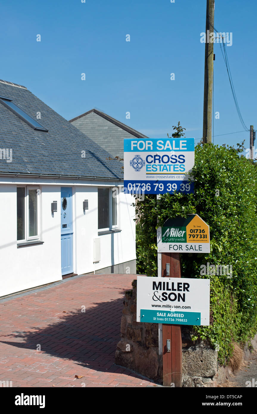 bungalow for sale in carbis bay, cornwall, uk - Stock Image