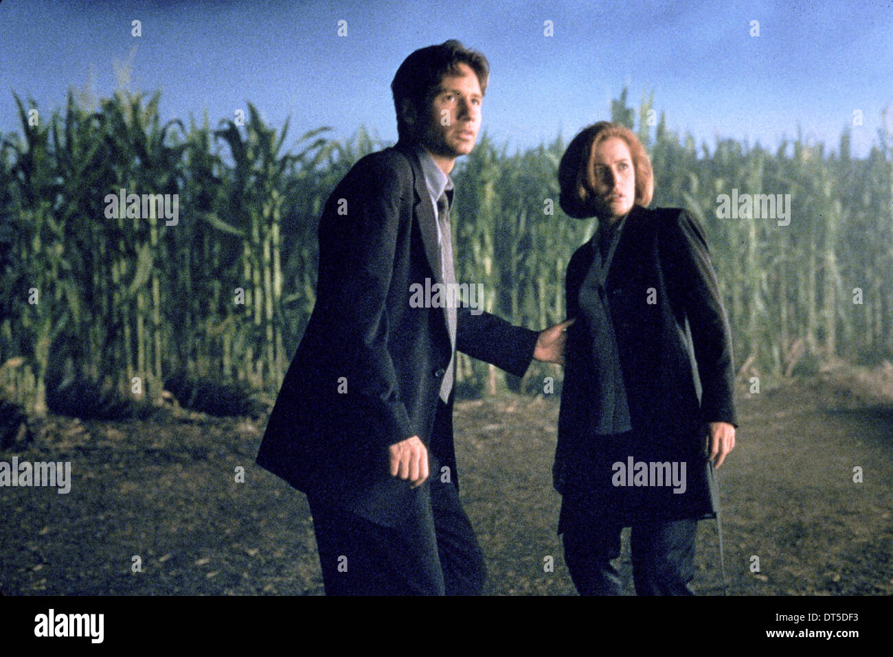 DAVID DUCHOVNY, GILLIAN ANDERSON, THE X FILES, 1998 - Stock Image