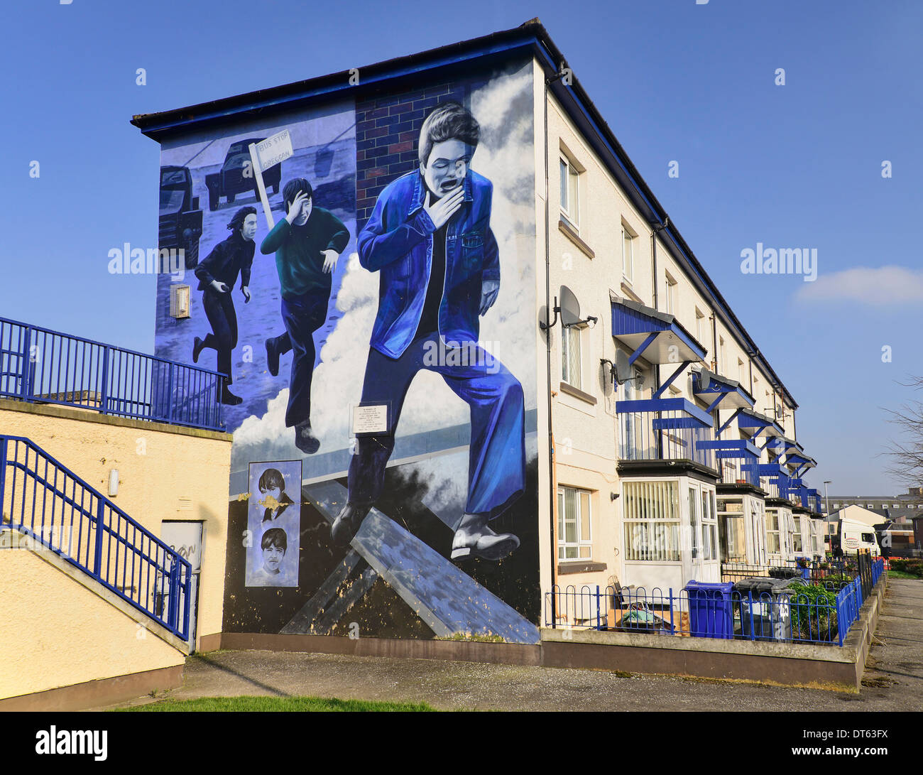 Ireland, Derry, The People's Gallery series of murals in the Bogside, Mural known as The Runner. - Stock Image