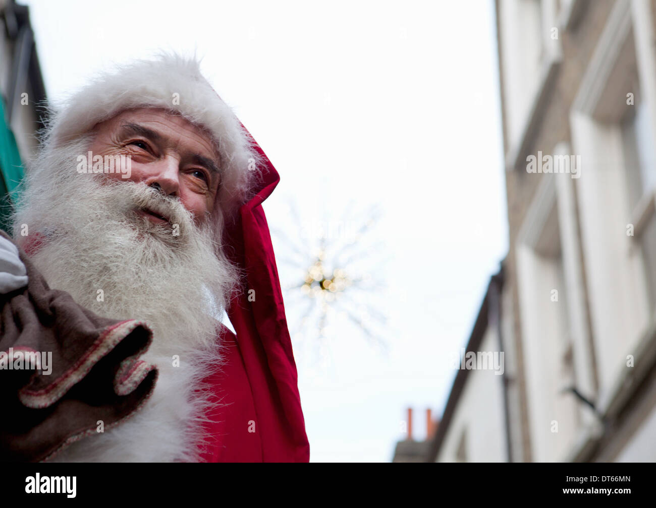 Santa Claus in the street - Stock Image