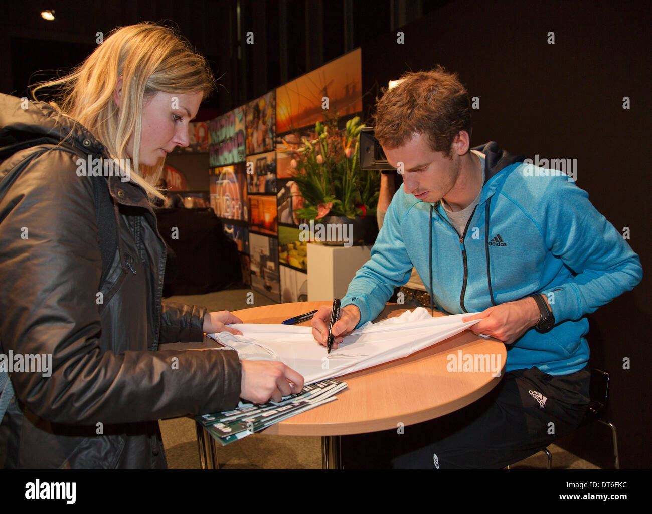 Andy Murray(GBR) signing autographs at the ABN AMRO World Tennis Tournament.  Photo:Tennisimages/Henk Koster/Alamy Live News - Stock Image
