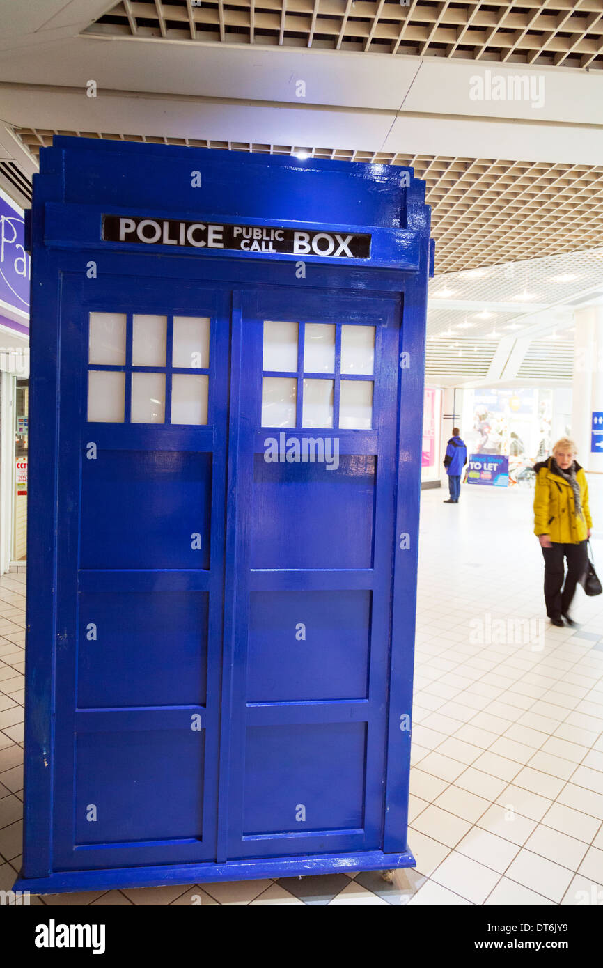 Tardis police box blue Dr Who Doctor Princes Quay Kingston upon Hull, East Riding, Yorkshire, UK, England GB - Stock Image