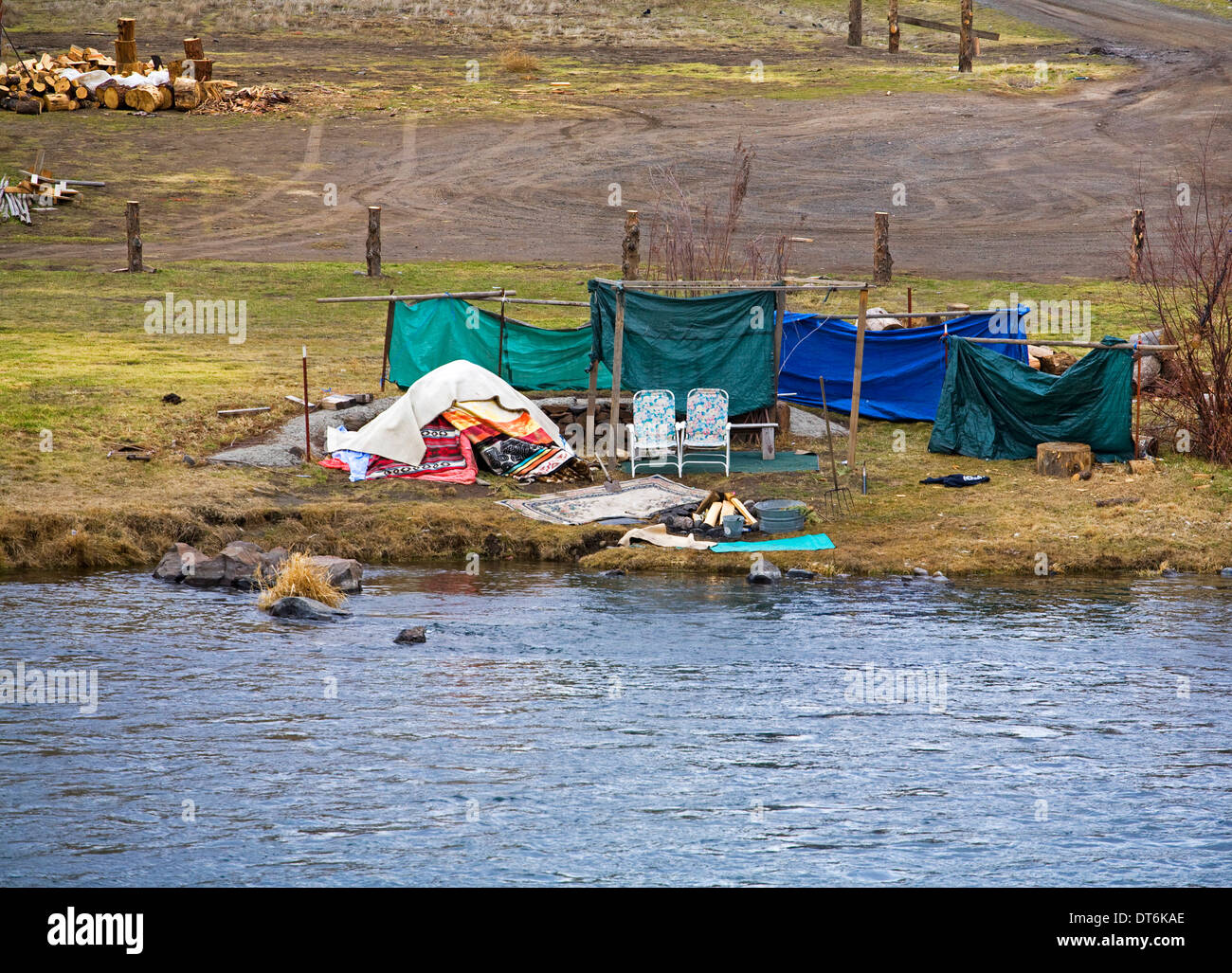 An Indian sweat lodge on the Warms Springs Indian Reservation on the banks of the Deschutes River, Oregon - Stock Image