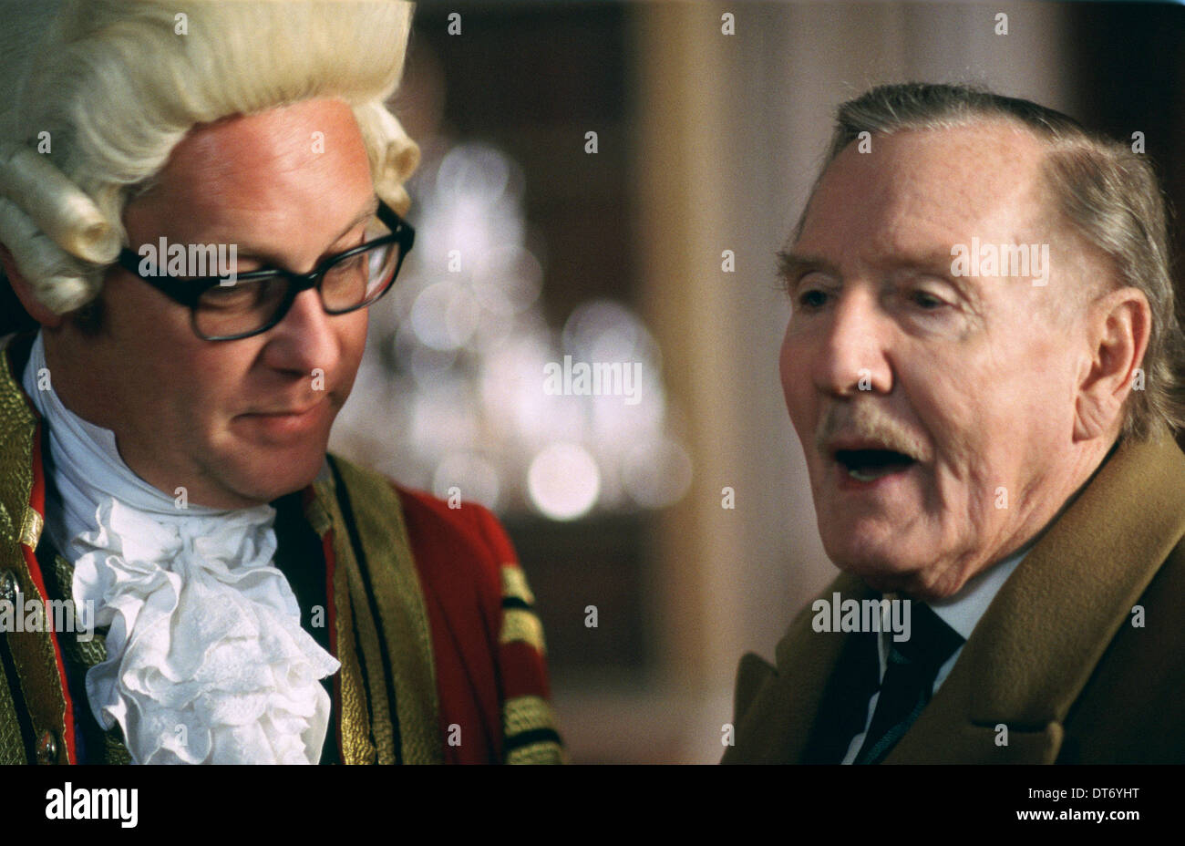 VIC REEVES & LESLIE PHILLIPS CHURCHILL: THE HOLLYWOOD YEARS (2004) - Stock Image