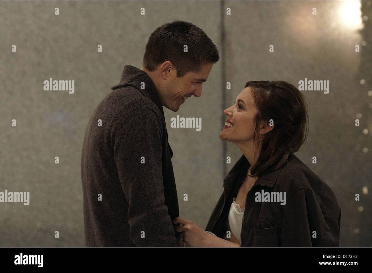 ERIC WINTER & ALYSSA MILANO SUNDAYS AT TIFFANY'S (2010) - Stock Image