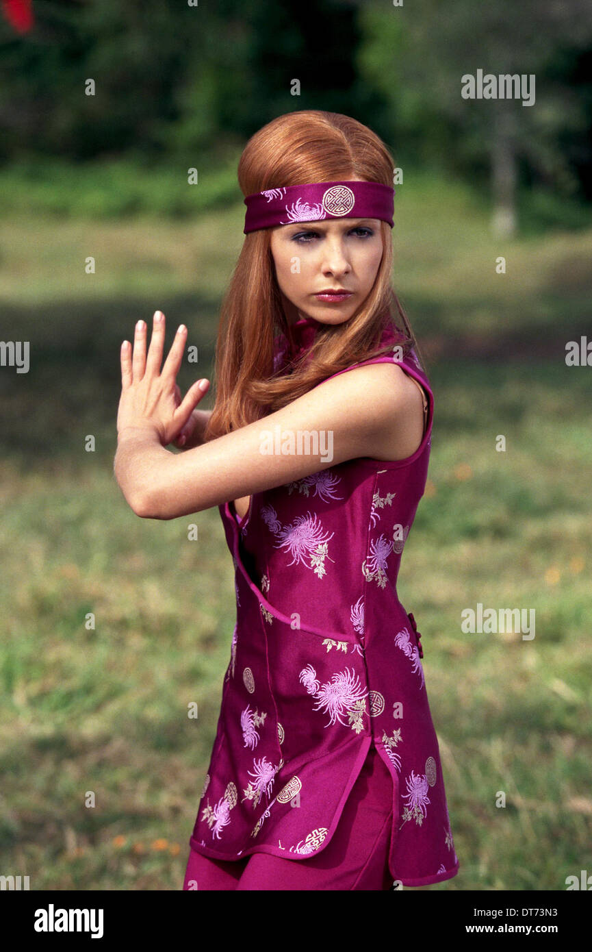 Sarah Michelle Gellar Scooby Doo Scooby Doo 2002 Stock Photo Alamy