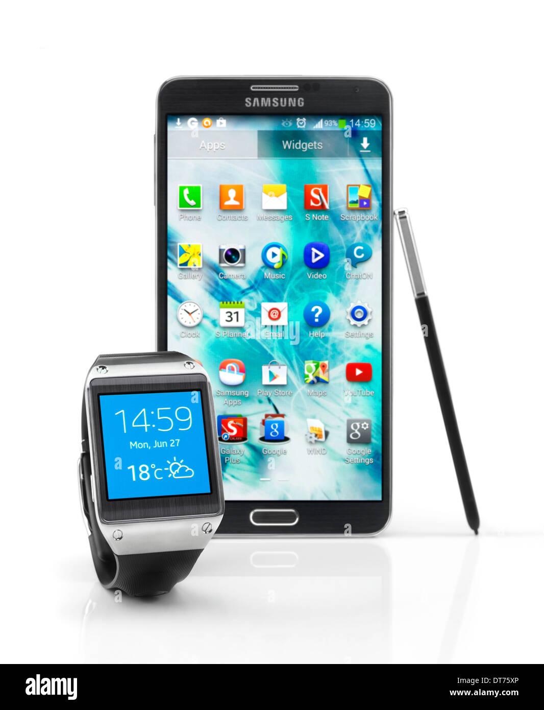 Samsung Galaxy Gear smartwatch and Galaxy Note III smartphone Stock