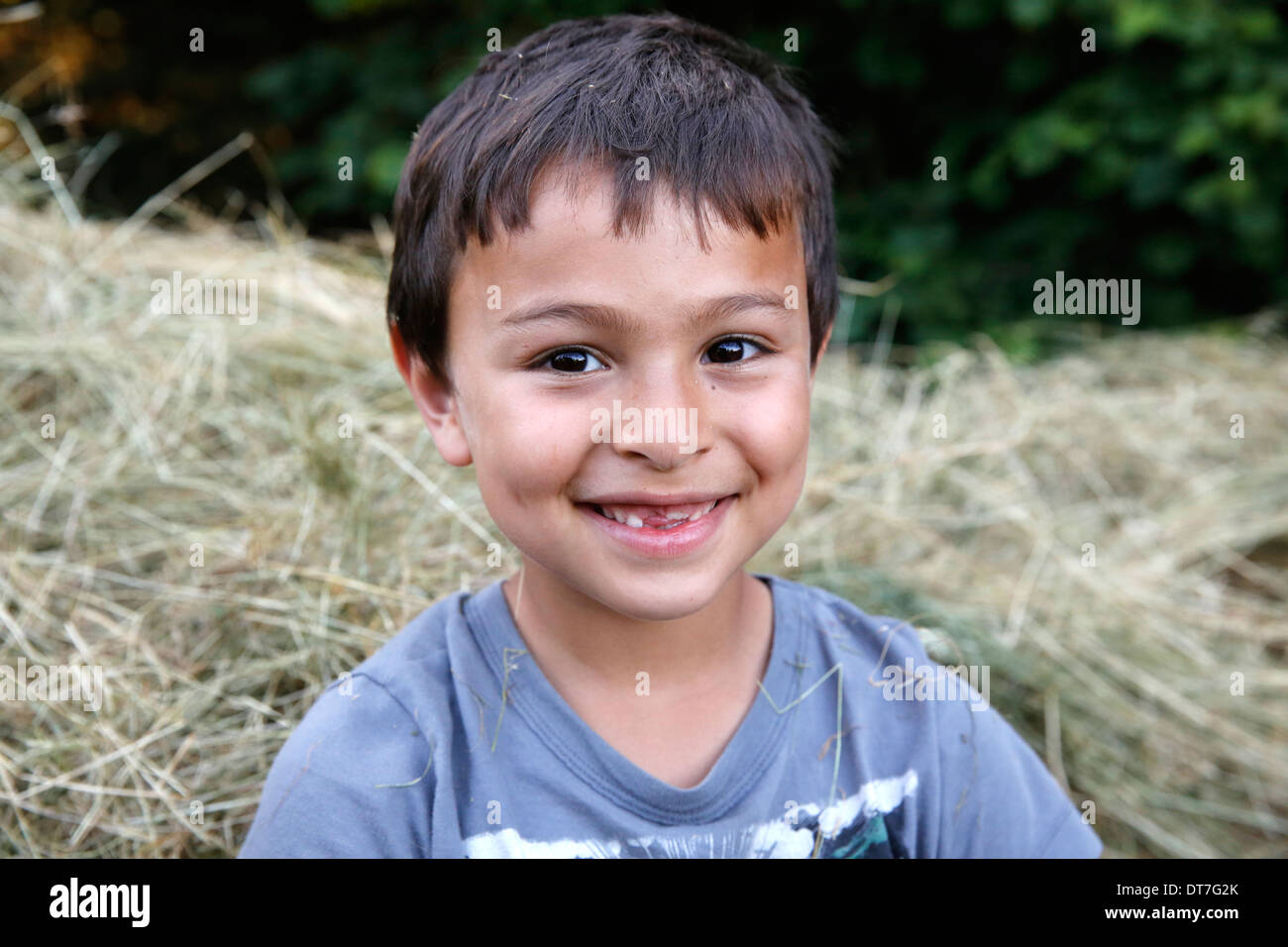 7-year-old boy with missing teeth - Stock Image