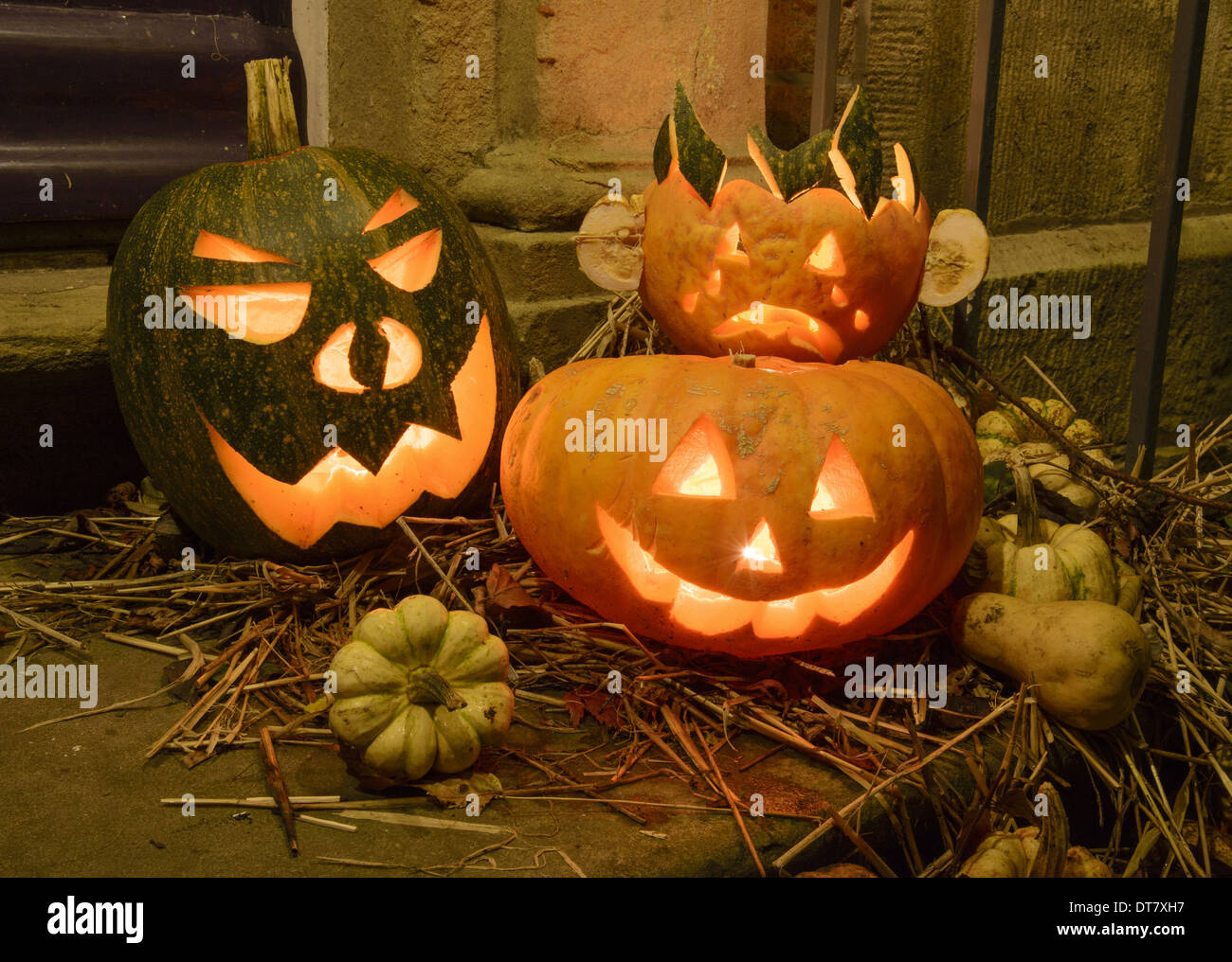 Halloween u0027Jack Ou0027 Lanternsu0027 lit on doorstep Chipping Lancashire England November & Pumpkin (Cucurbita sp.) Halloween u0027Jack Ou0027 Lanternsu0027 lit on doorstep ...