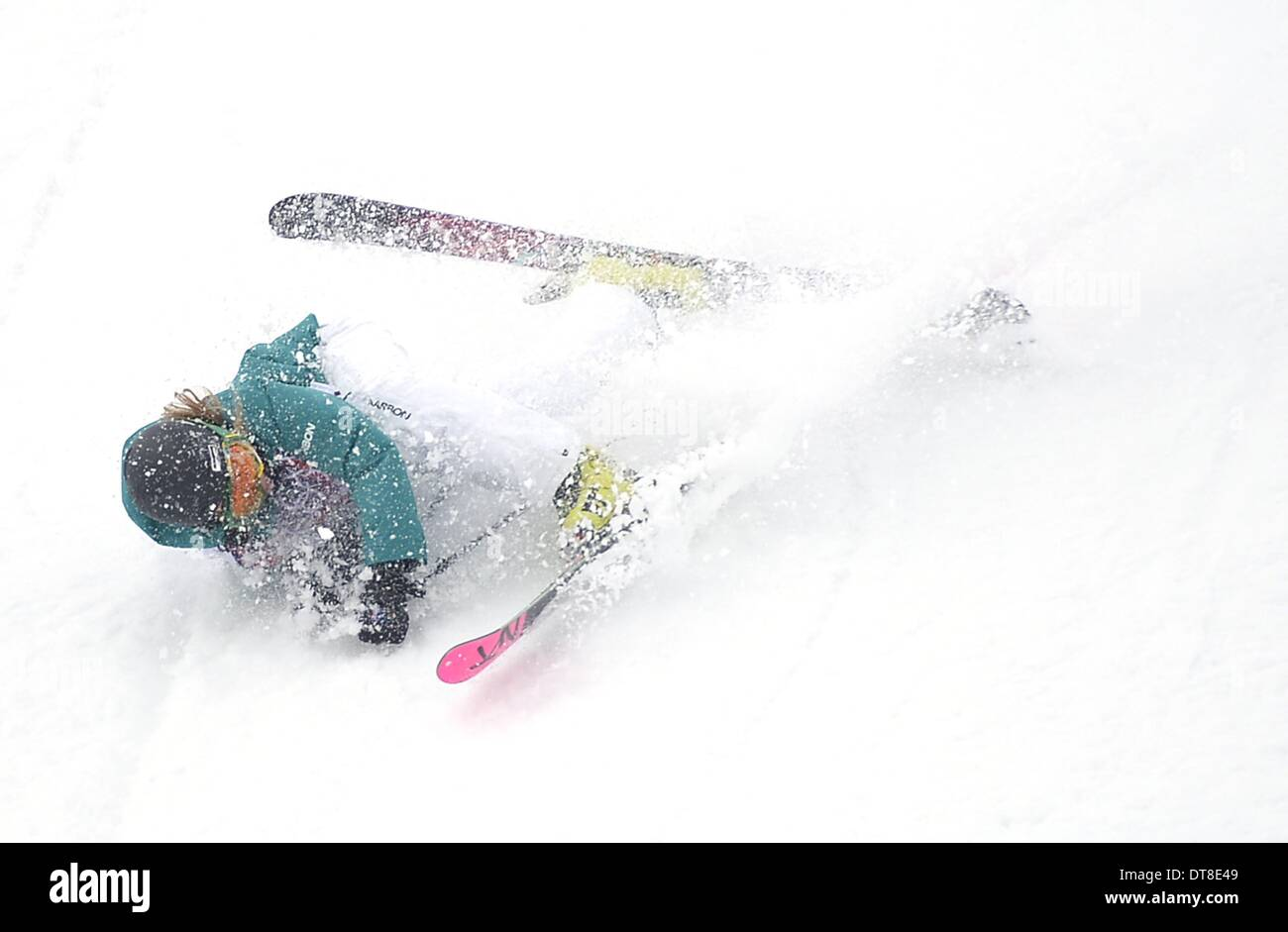 Sochi, Russia. 11th February 2014. Anna Segal (AUS) crashes in the final. Womens Ski Slopestyle - Rosa Khuter Extreme Park - Sochi2014 winter Olympics - Sochi - Russia - 11/02/2014 Credit:  Sport In Pictures/Alamy Live News - Stock Image