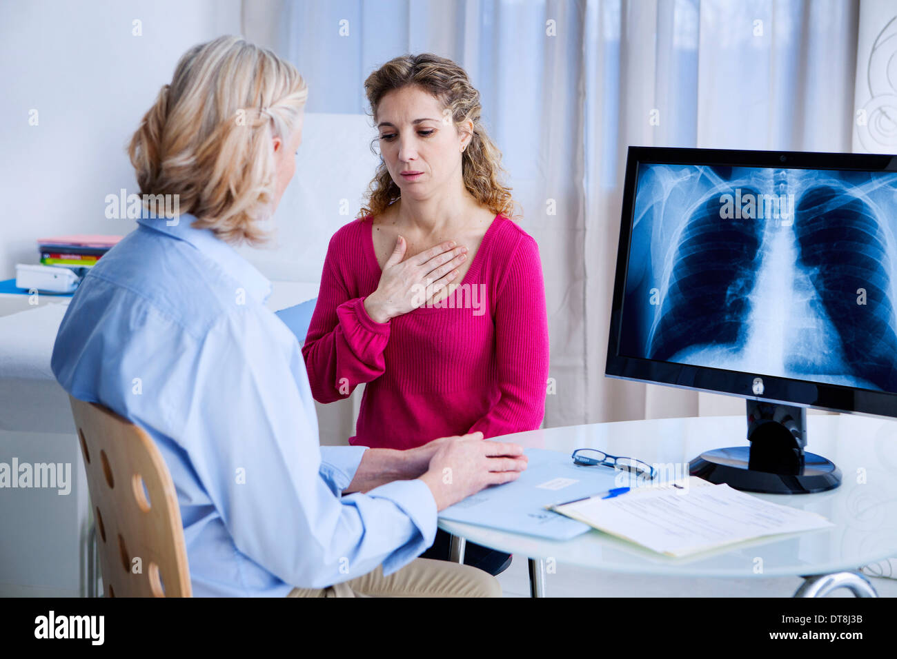 PNEUMOLOGY CONSULTATION WOMAN Stock Photo