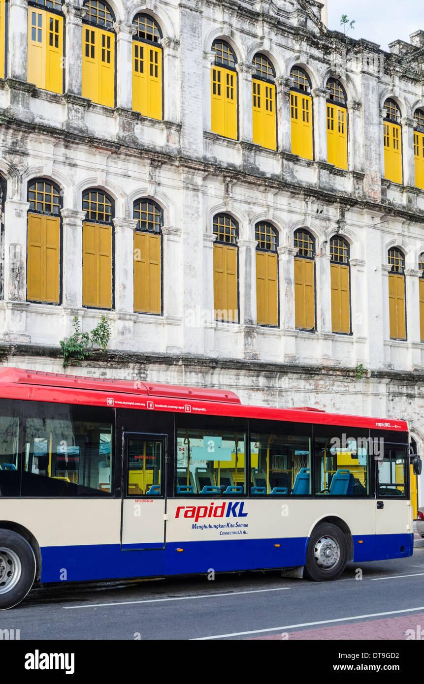 Rapid KL public transport bus in old Kuala Lumpur, Malaysia - Stock Image