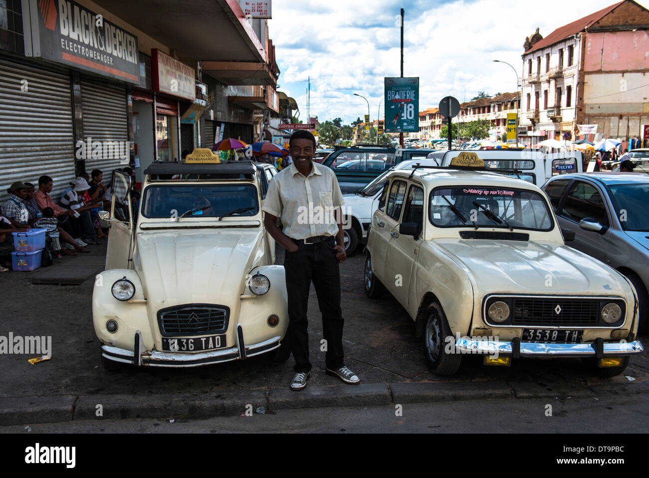 renault 4 and citroen deux chevaux taxis are still used in stock photo 66597984 alamy. Black Bedroom Furniture Sets. Home Design Ideas