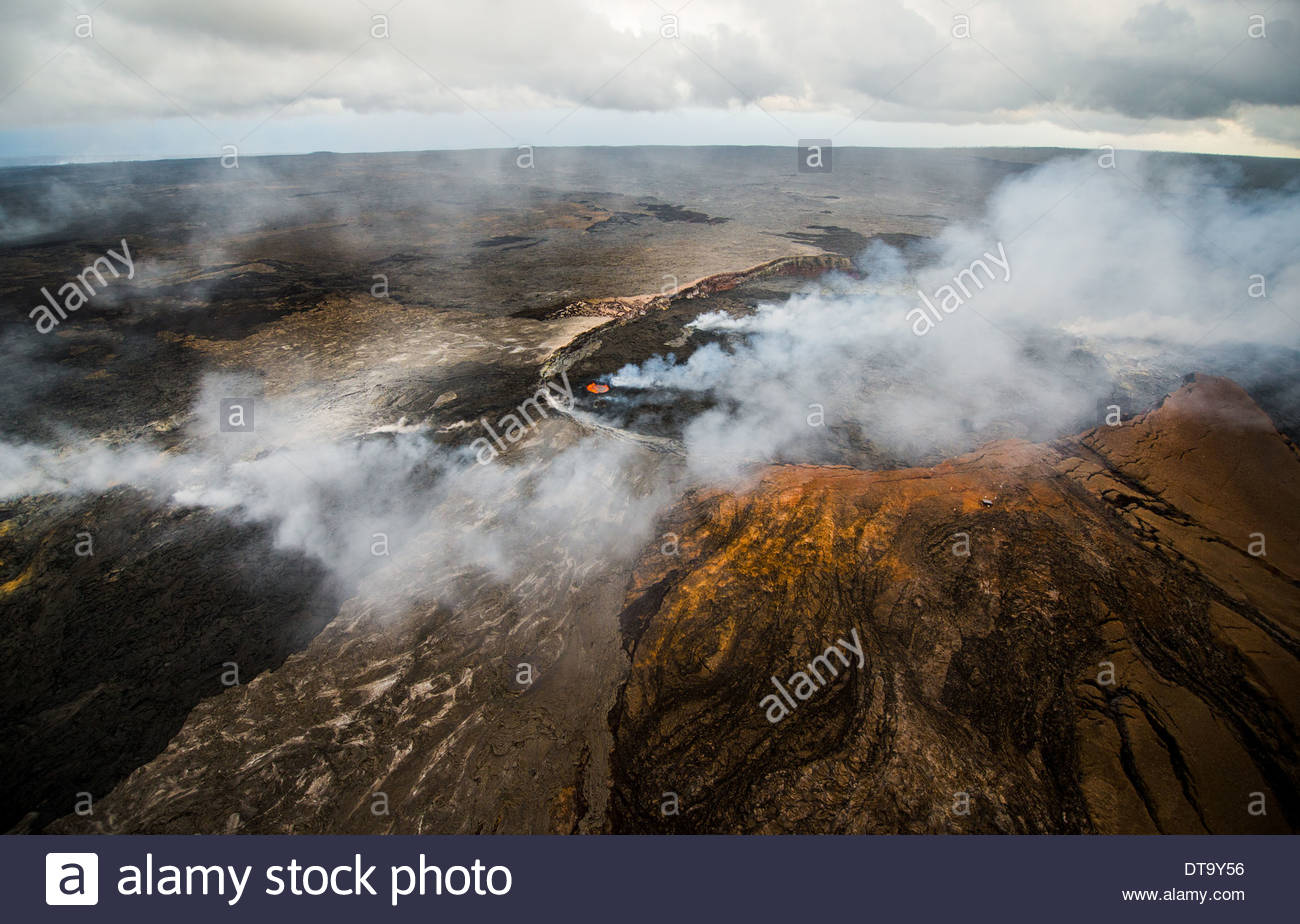 Pu'u 'O'o Lava Pond, Hawaii Volcanoes National Park, Hawaii, USA - Stock Image