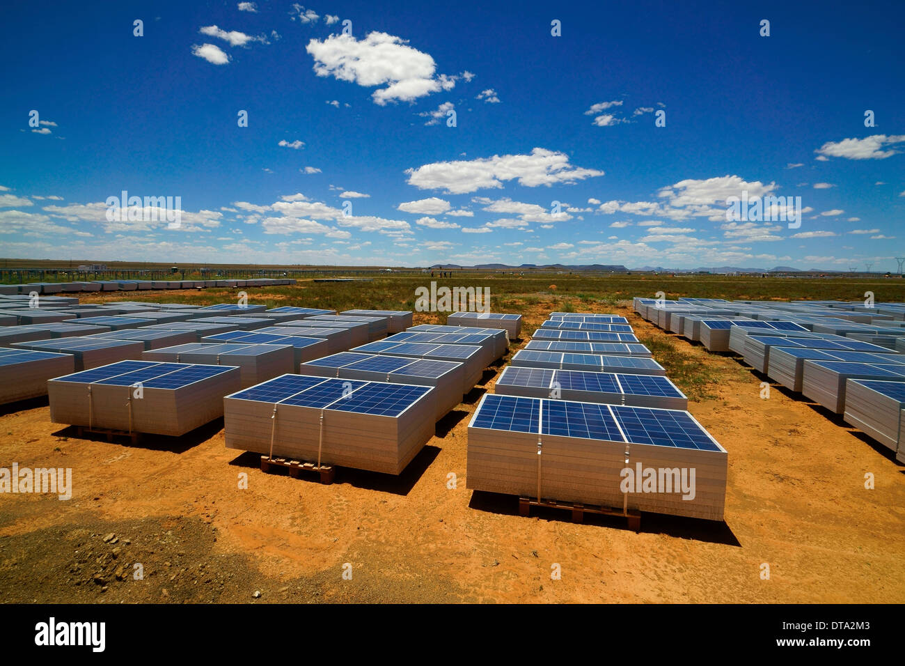 Jinko Solar photovoltaic systems by Scatec Solar, Karoo semi-desert near Hanover, Northern Cape, South Africa - Stock Image