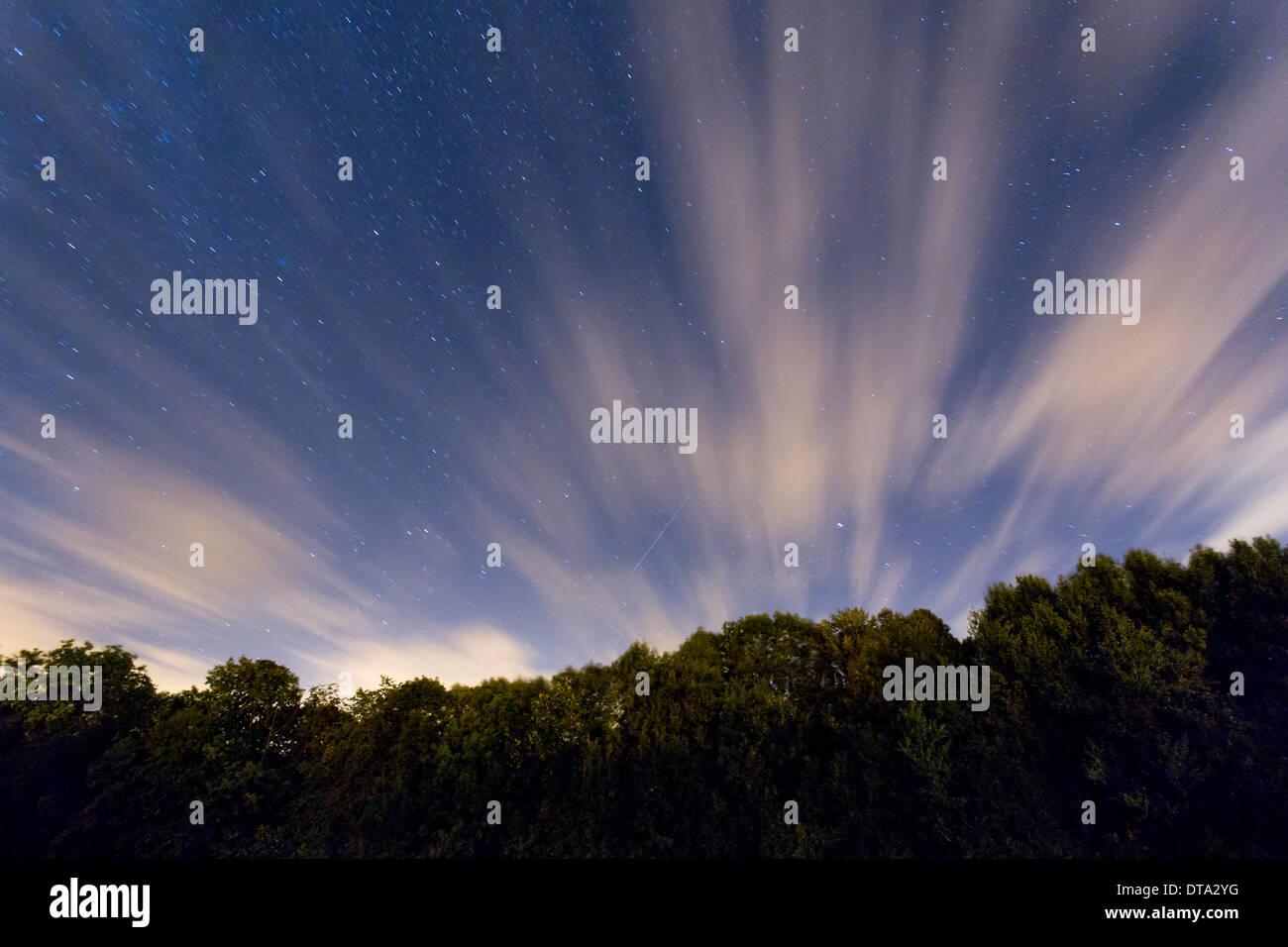 Shooting Star Night Sky Stock Photos & Shooting Star Night ...