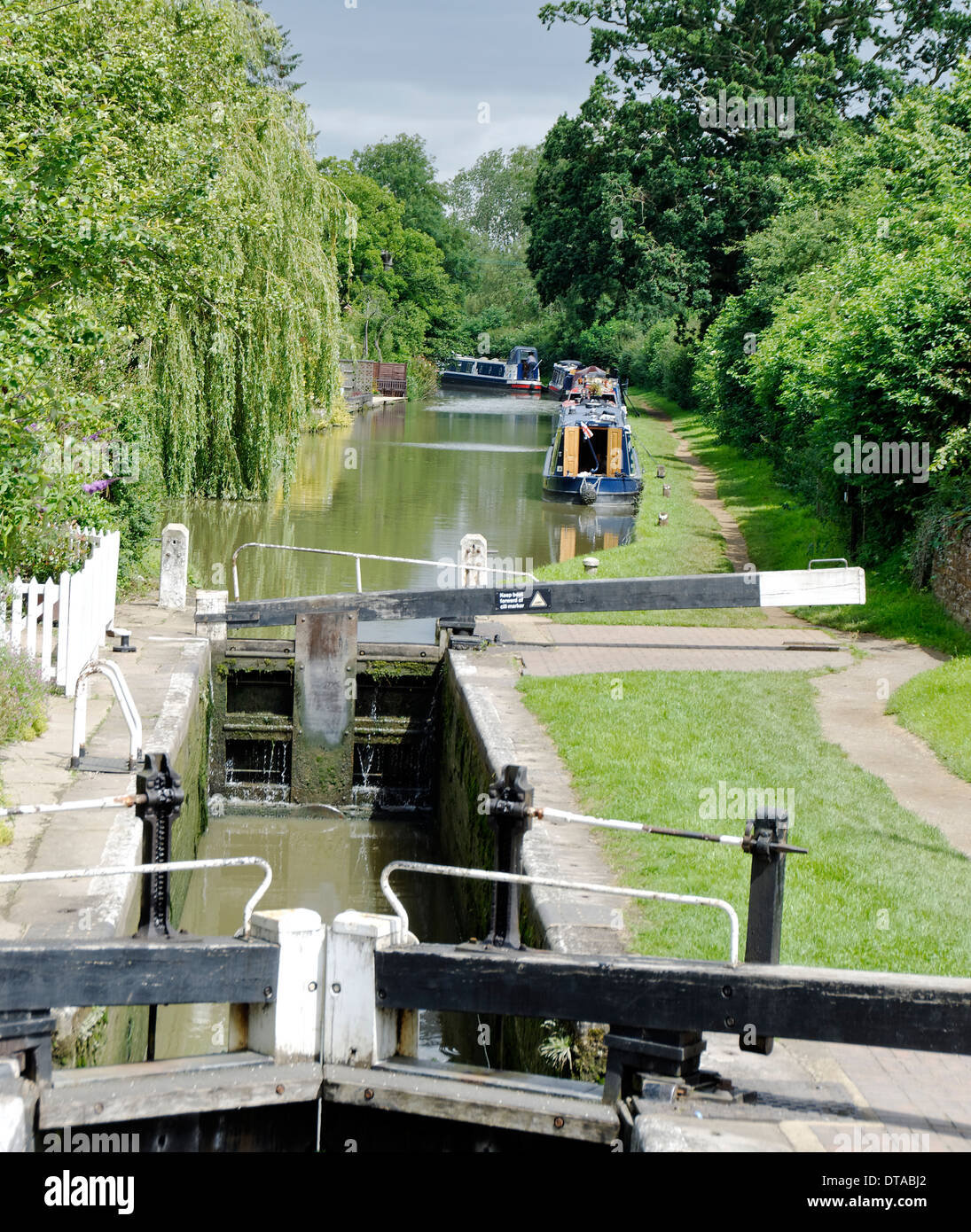 Canal Lock on the Oxford Canal at Cropredy, Oxfordshire, England - Stock Image