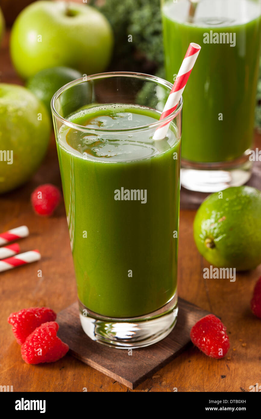Healthy Green Vegetable and Fruit Smoothi Juice with Apple and Greens - Stock Image