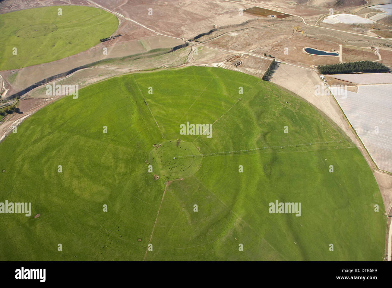 Giant Rotary Irrigation Scheme, Bendigo, Central Otago, South Island, New Zealand - aerial - Stock Image