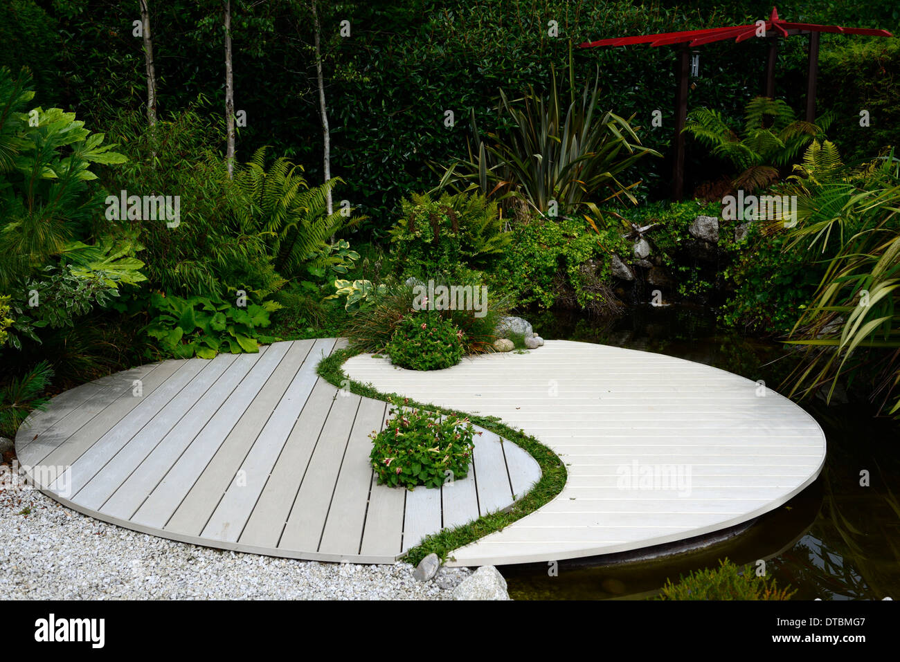ying yang harmony symbol feng shui japanese asian garden gardening stock photo 66640455 alamy. Black Bedroom Furniture Sets. Home Design Ideas