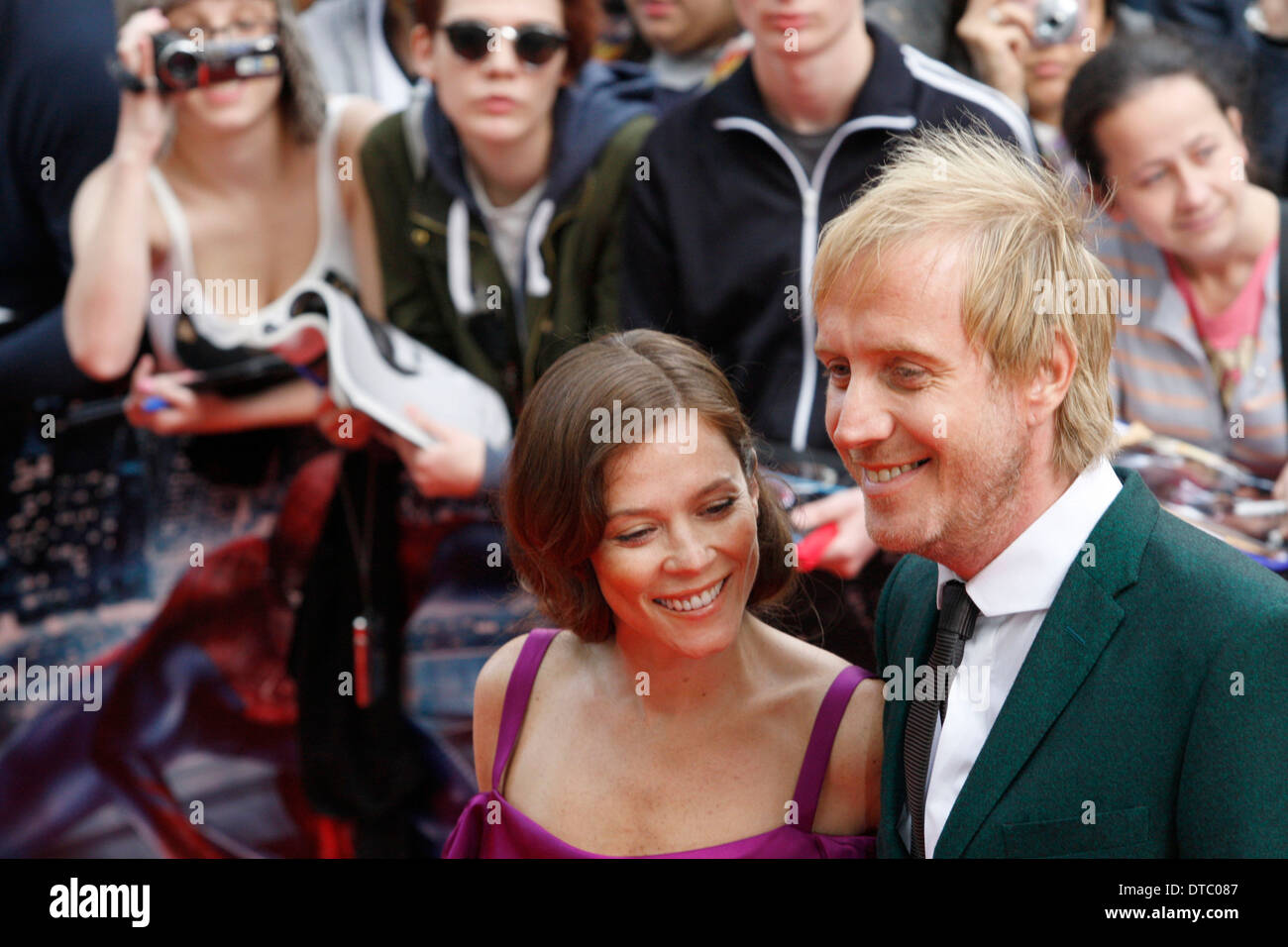 Anna Friel and Rhys Ifans - Stock Image