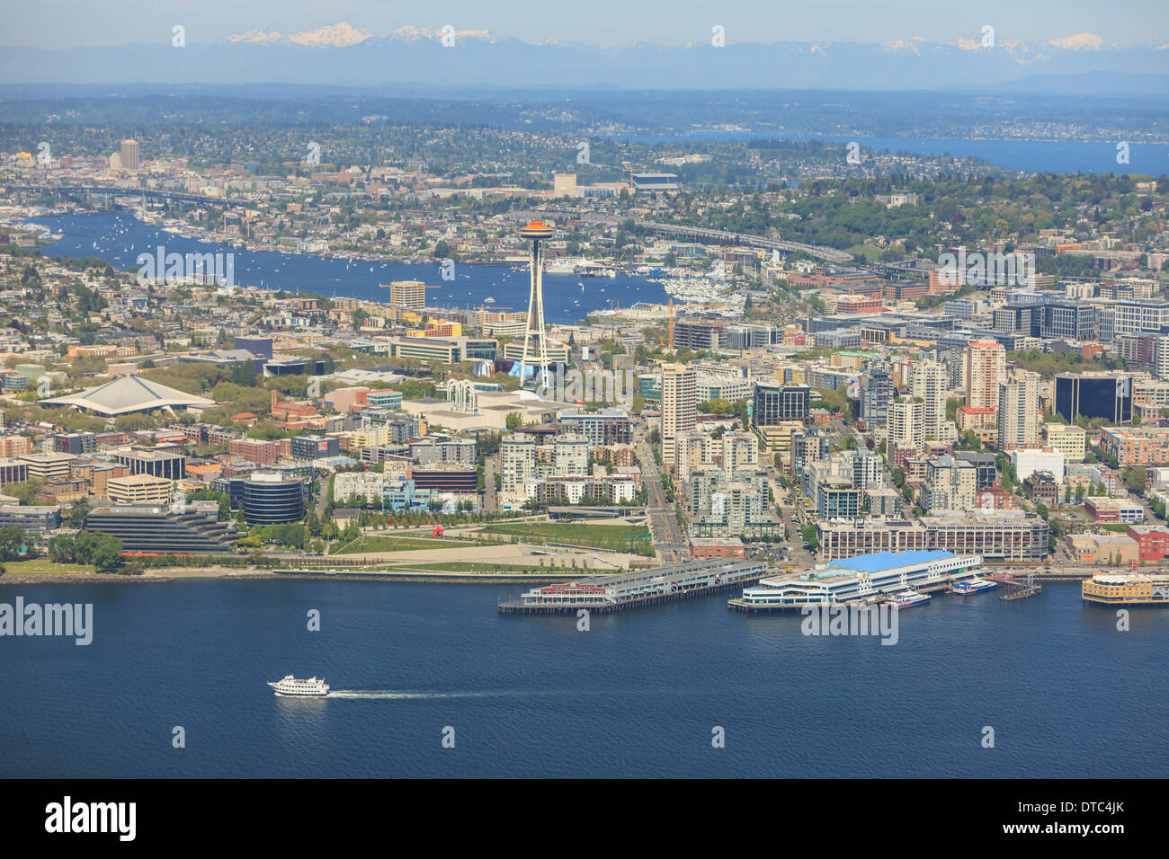 Aerial view of Seattle Waterfront, Lake Union and Cascade Mountains, Washington State - Stock Image