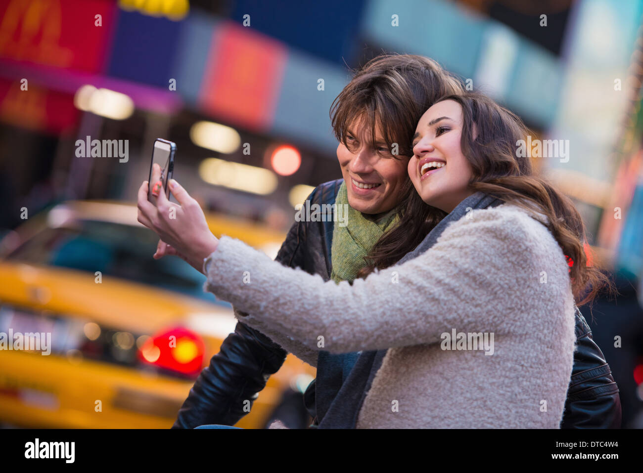 Young couple taking a selfie, New York City, USA - Stock Image