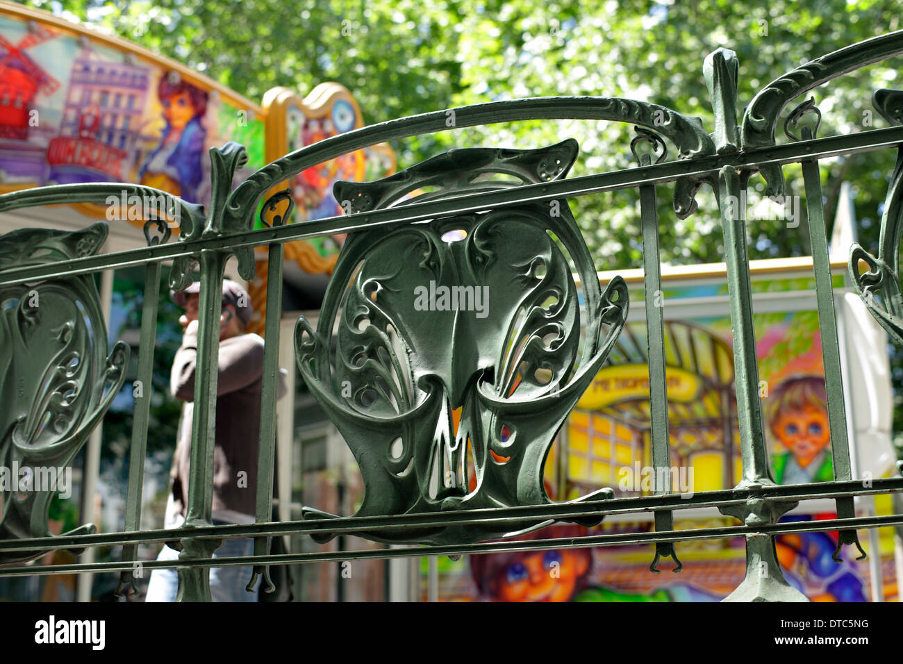 Art Nouveau railings outside the entrance to the Abbesses metro station, Paris. - Stock Image
