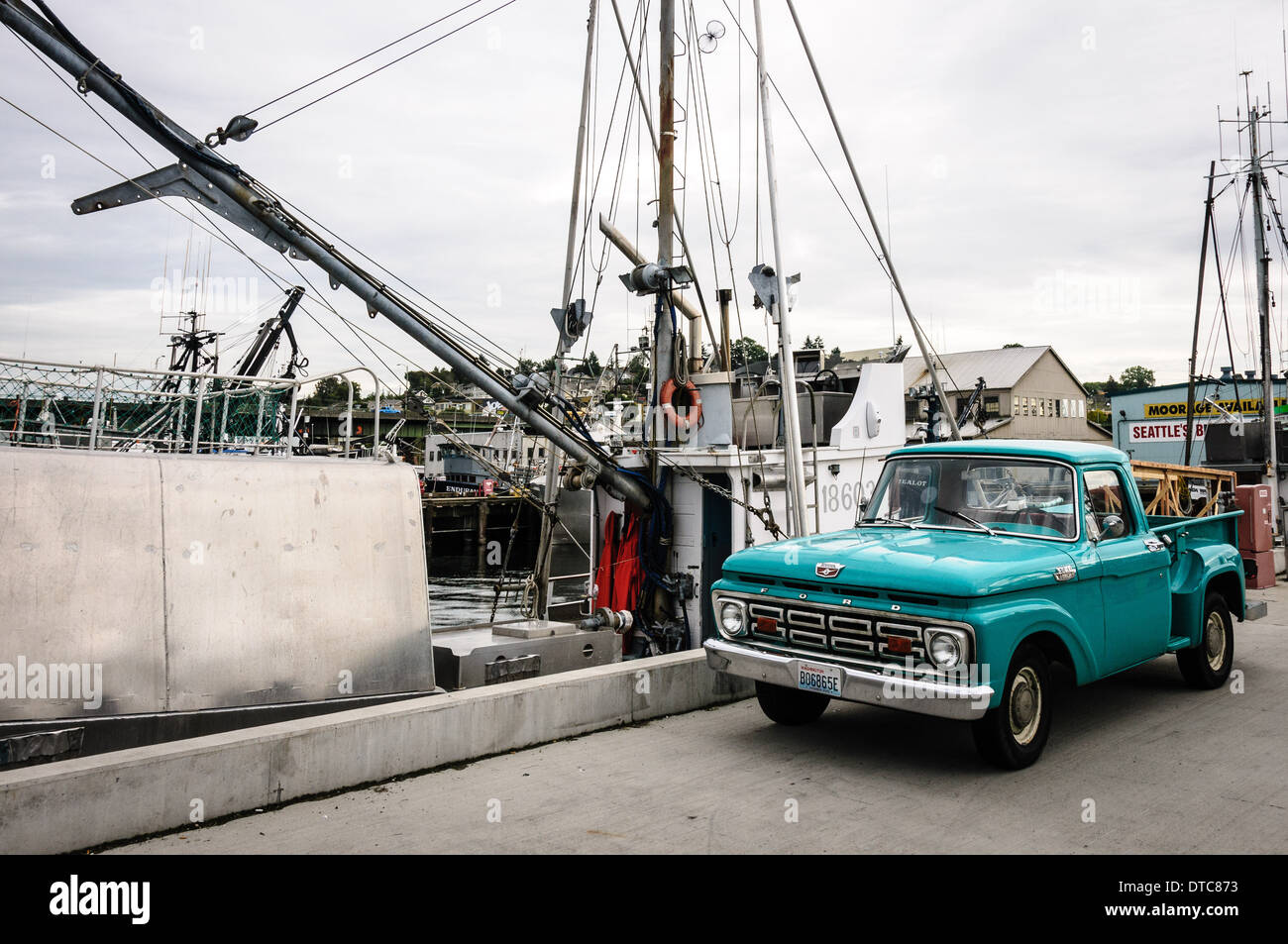Blue Ford F100 Stock Photos Images Alamy 1964 Pickup Pick Up Truck Fishermans Terminal Seattle Washington