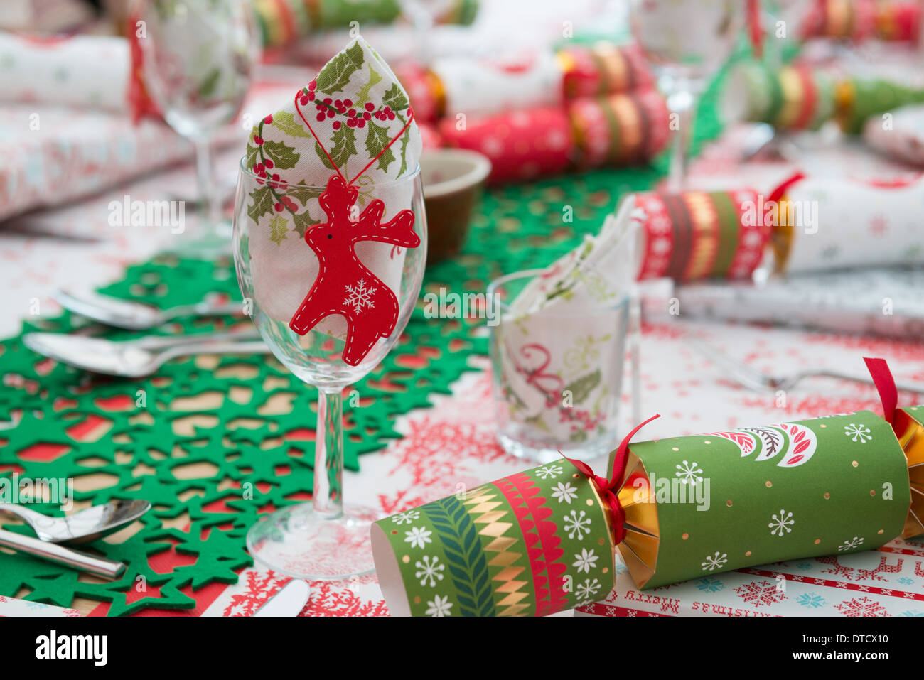 A table laid for Christmas - Stock Image