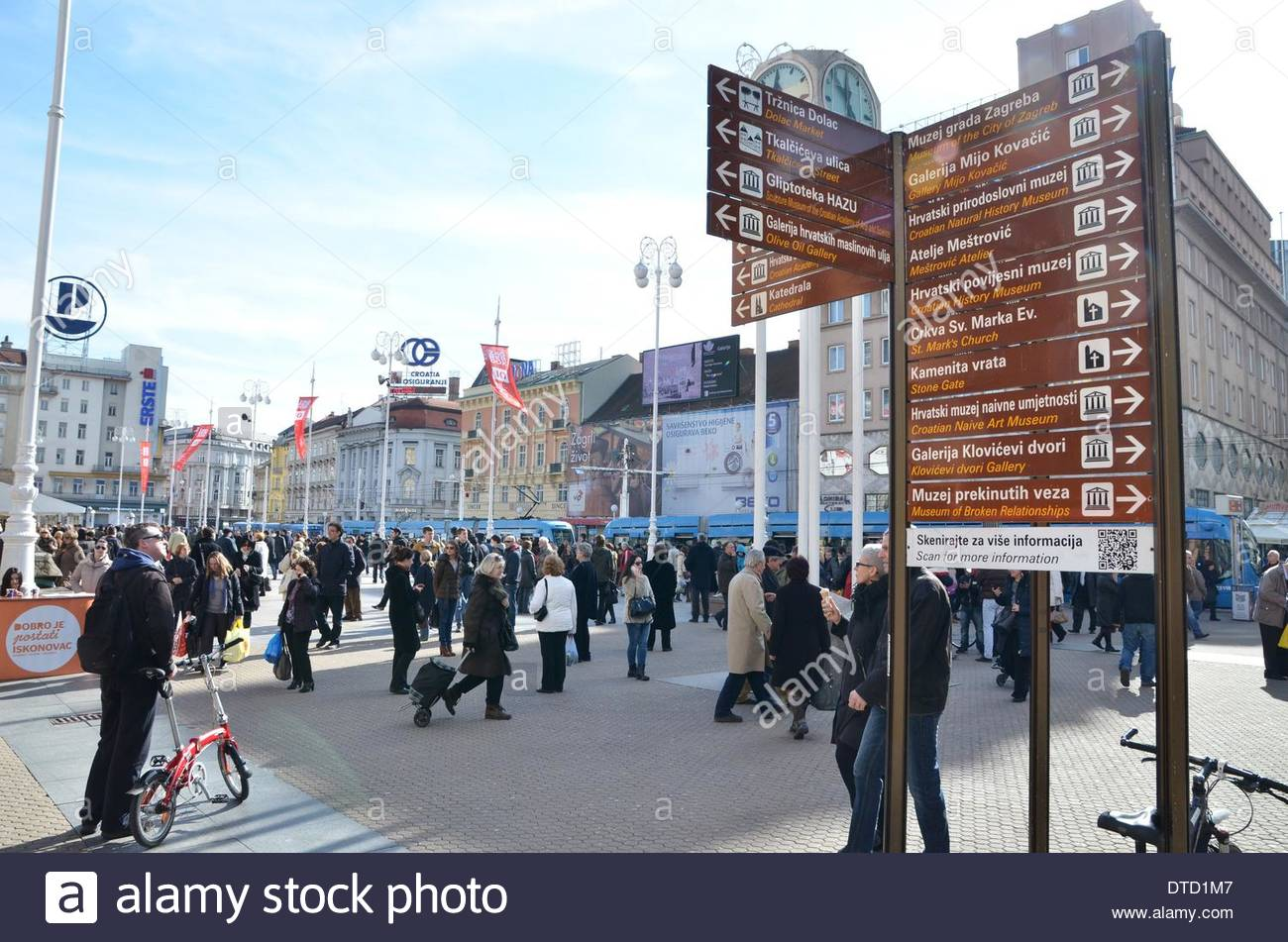 97d3b0af60f4 Warm weather has finally arrived. Zagreb residents are warm day use for  walking and shopping at the Dolac market. Citizens warmed pleasant 13  degrees.