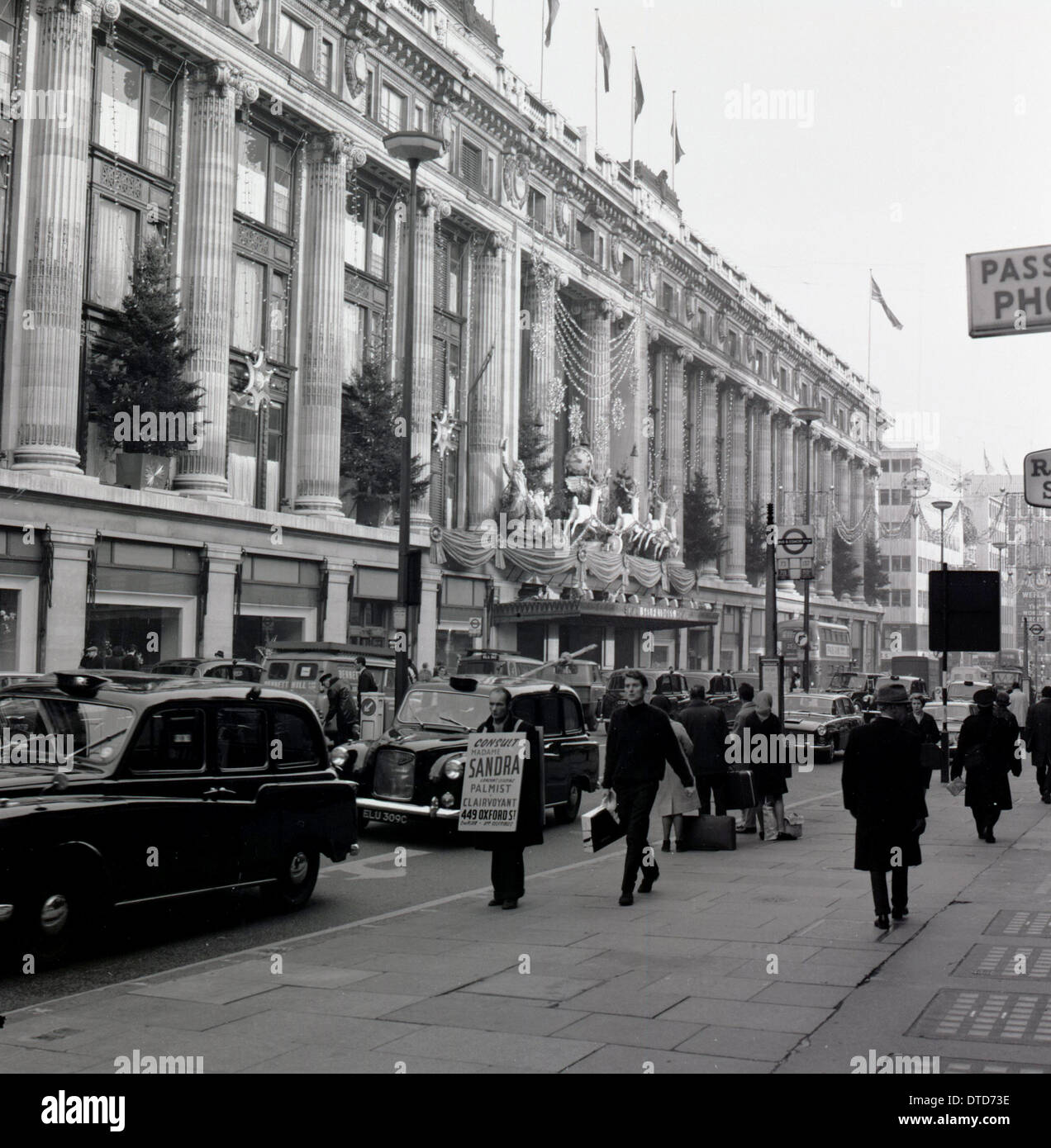 1950s, Historical, Christmas Decorations On The Selfridges