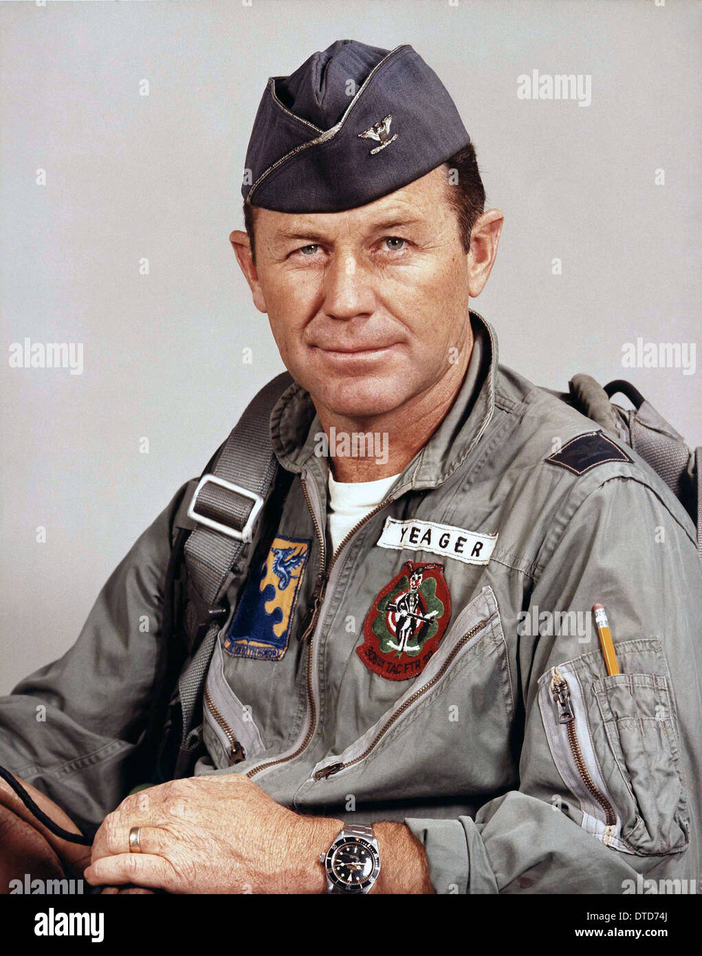 US Air Force test pilot Col. Charles Yeager in flight suit in 1966 ... 19fce351ec9