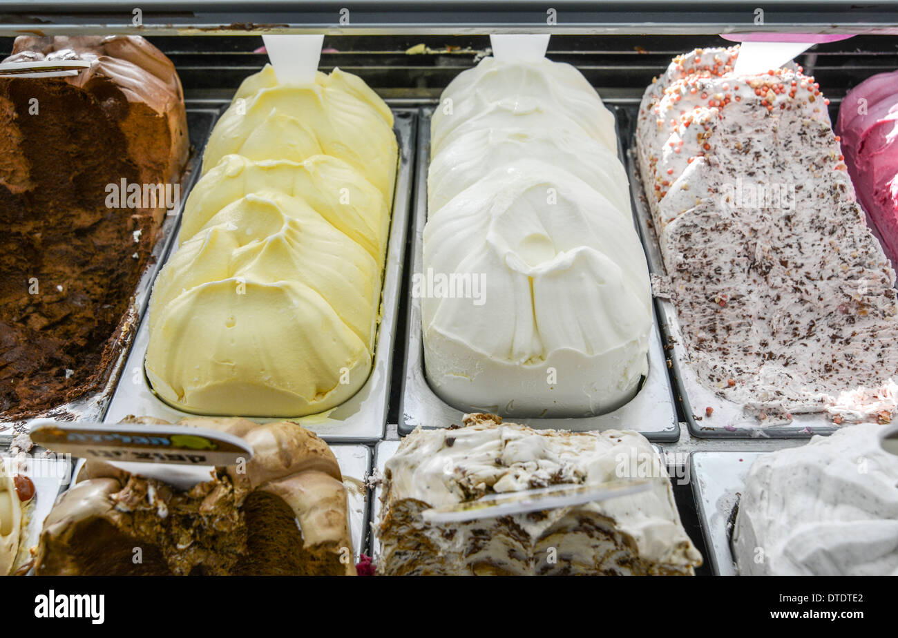 Various flavours of artisan ice-cream - Stock Image