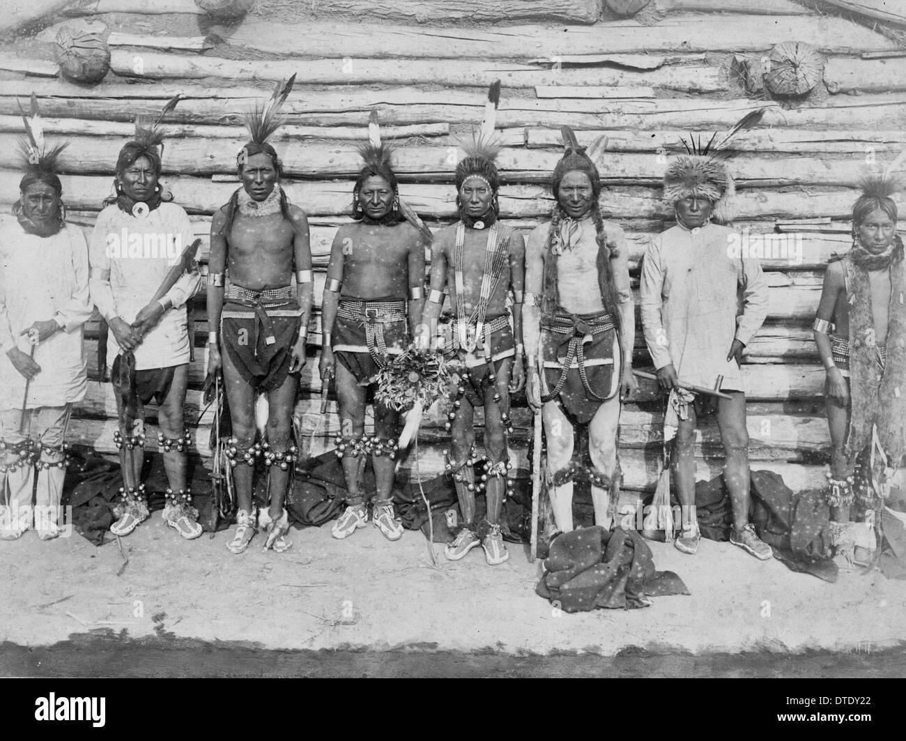 A Sioux war party, circa 1890 - Stock Image