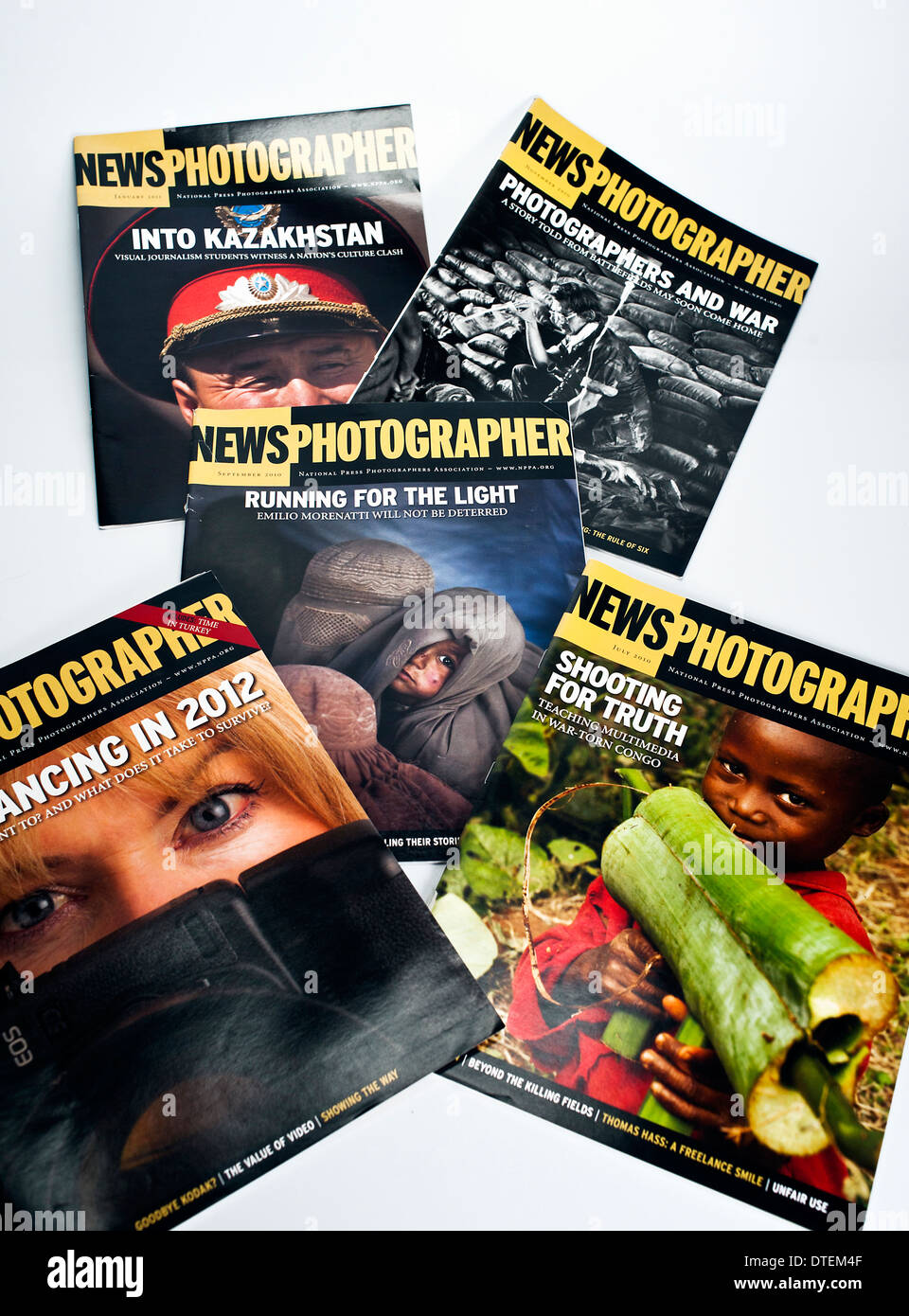 Five back issues of NPPA News Photographer Magazine - Stock Image