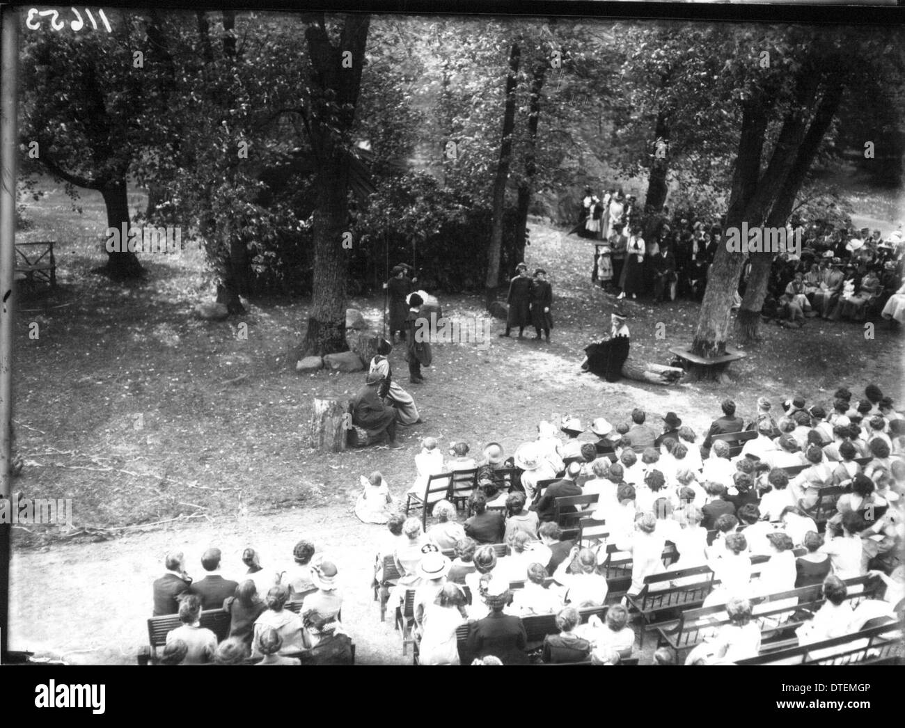 Western College on Tree Day 1912 - Stock Image
