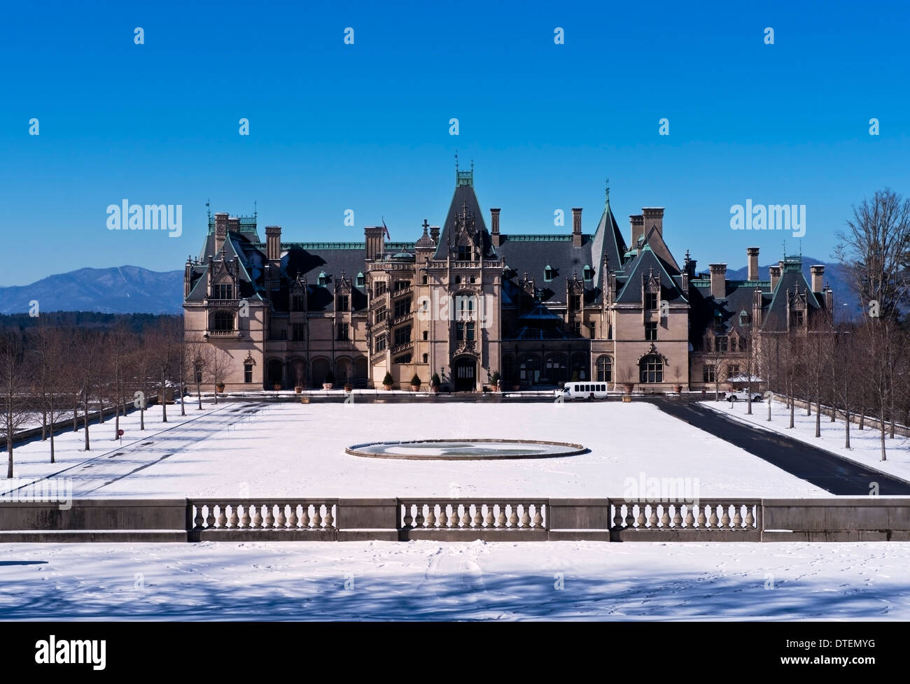 The Biltmore Mansion, front View, with snow on the ground, Asheville North Carolina - Stock Image