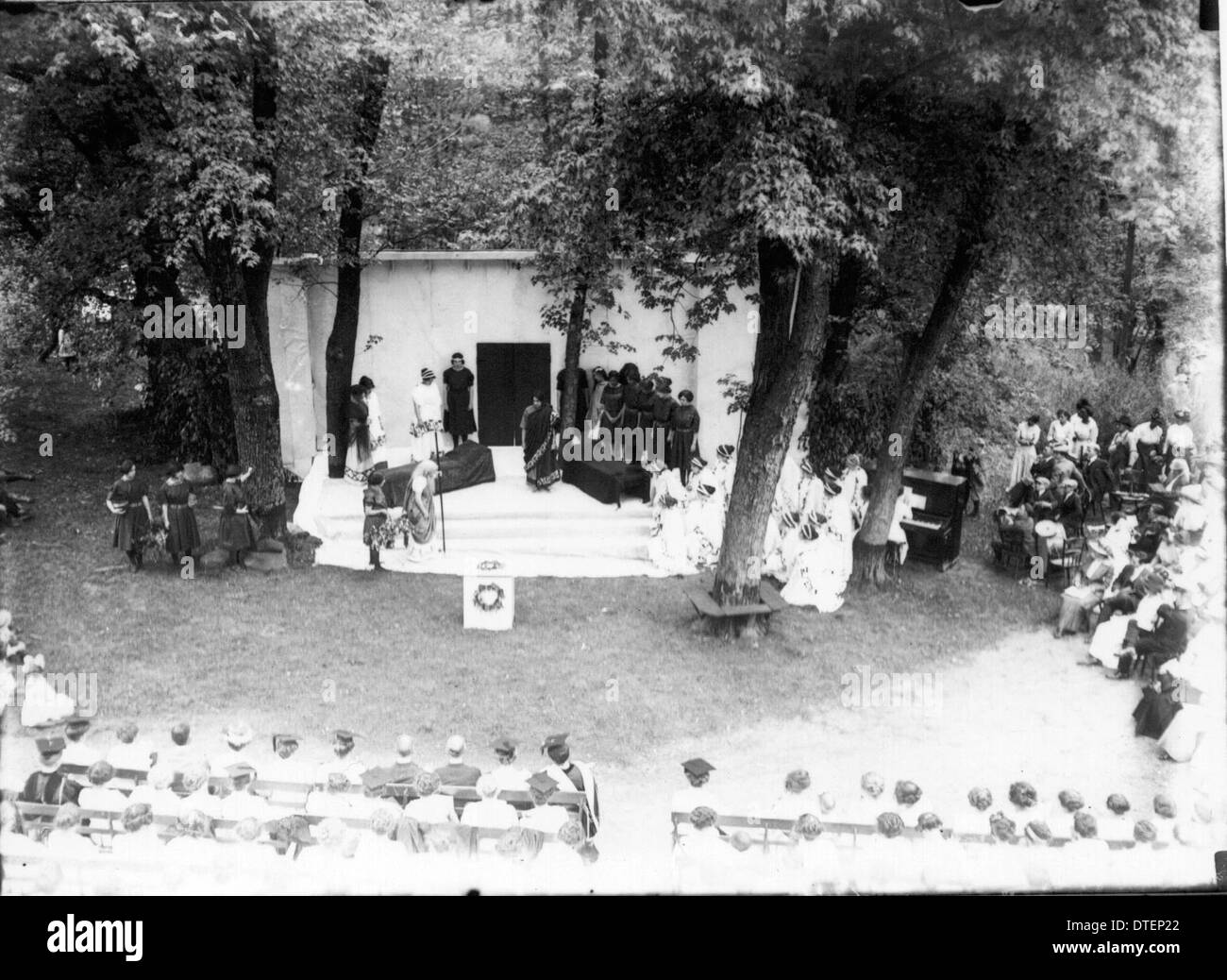 Western College on Tree Day 1913 - Stock Image