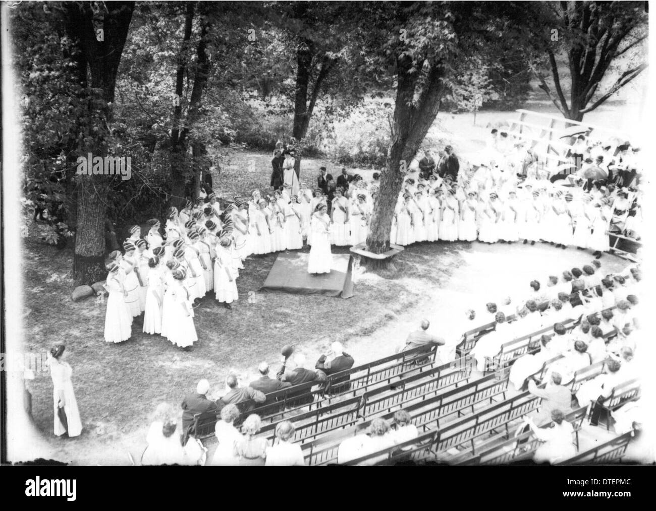 Western College on Tree Day 1911 - Stock Image