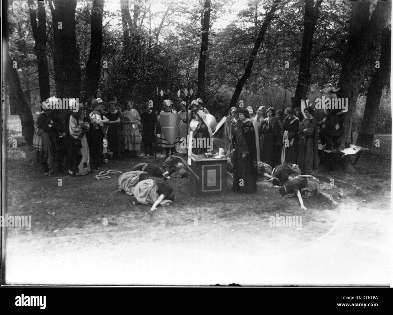 Western College on Tree Day 1915 - Stock Image