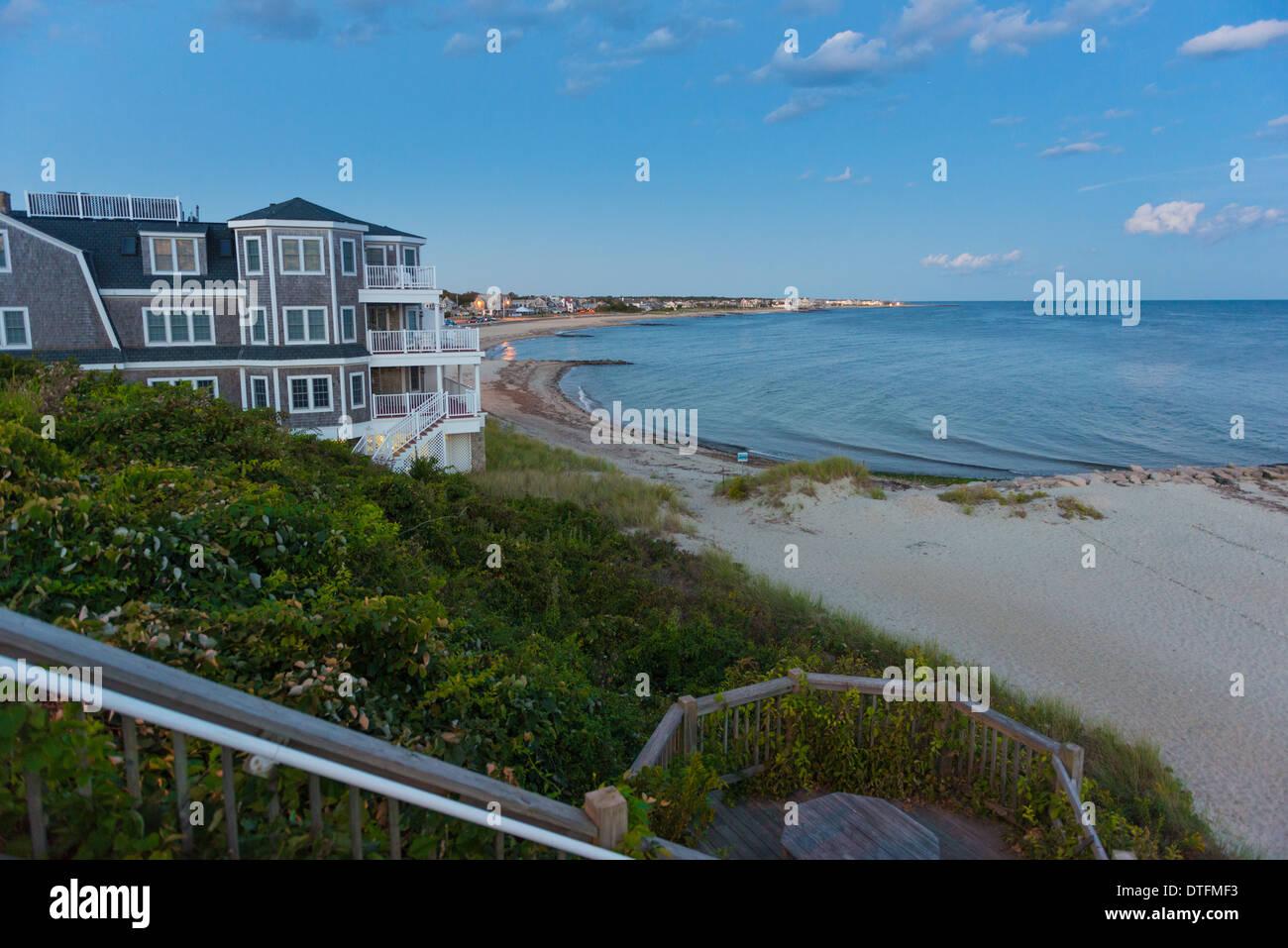 prix le plus bas magasin d'usine livraison gratuite Casino Wharf at dusk on Falmouth Heights beach, Cape Cod ...
