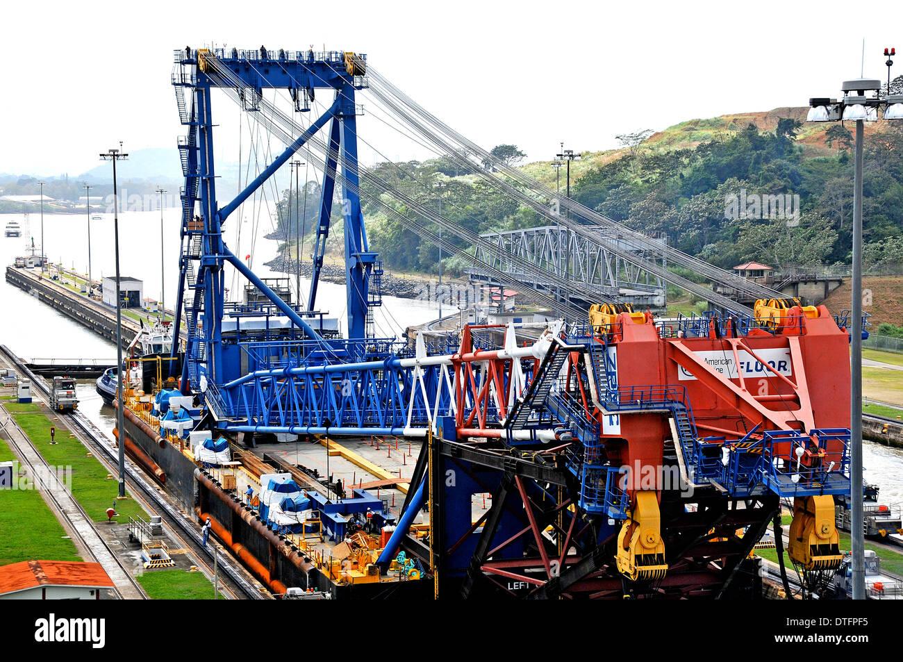 Left Coast Lifter, the giant floating crane of 'American Bridge Fluor' in Panama canal Miraflores locks Panama - Stock Image
